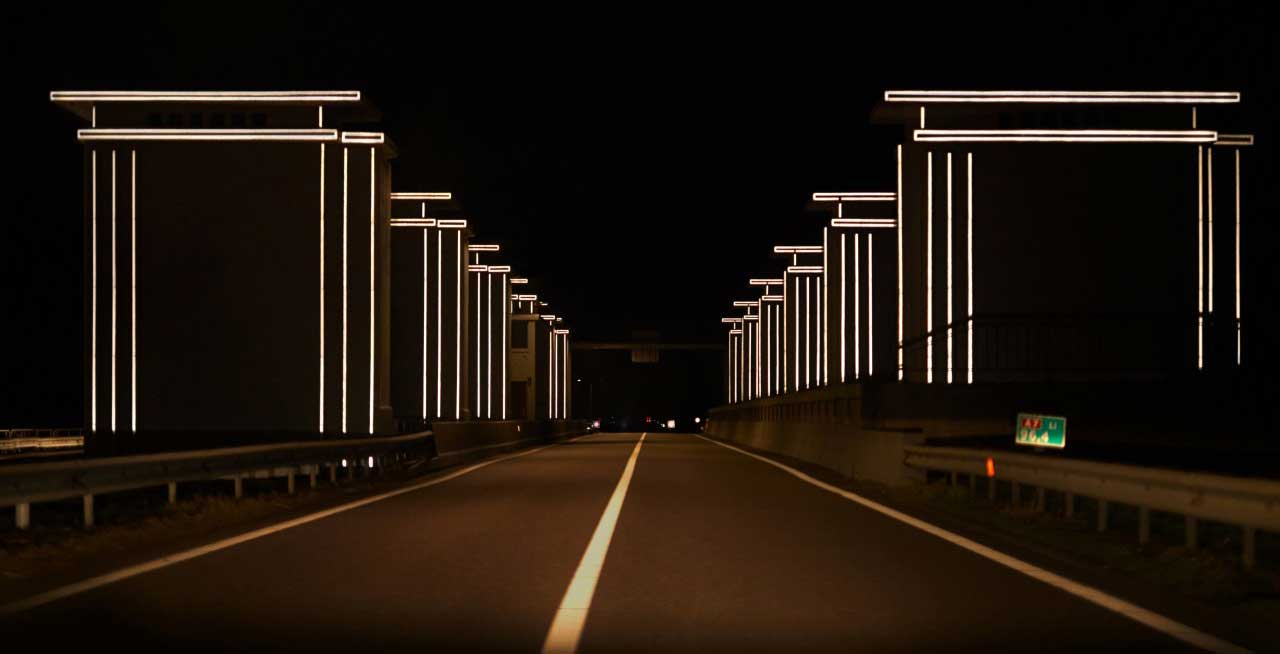 Gates of light by Daan Roosegaarde, using new luminescent materials to reduce light pollution from roads