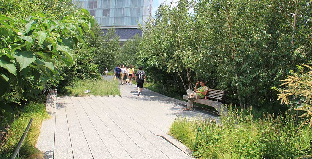 The High Line in New York has been published far and wide, but who is it for? Image: Sigrid Ehrmann