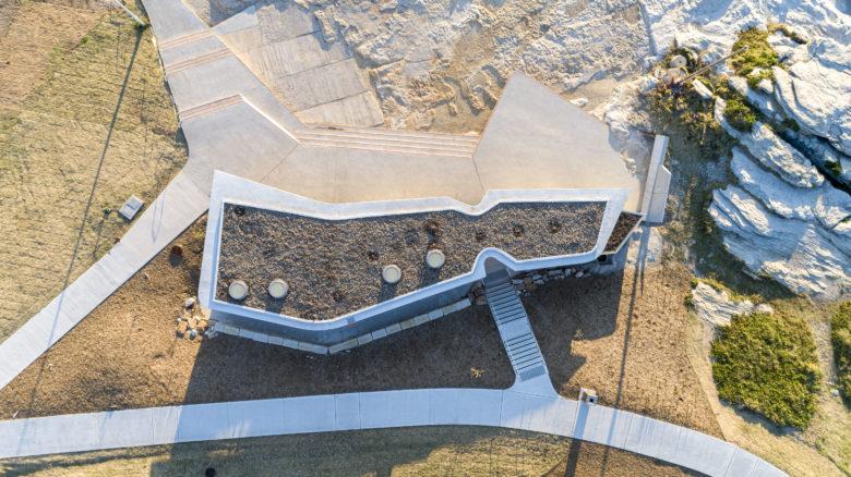 Mahon Pool Amenities and Maroubra Seals Swimming Clubhouse—Sue Barnsley. Image: BrettBoardman
